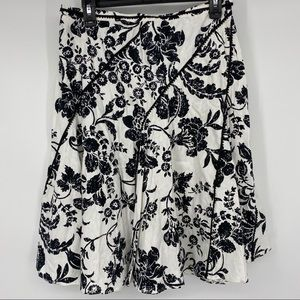 BHWM Black & White Hip Pleated Flair Skirt Size 8